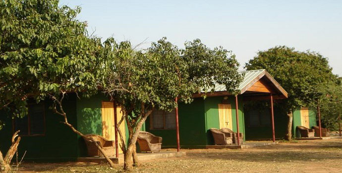 Red chilli rest camp Murchison falls